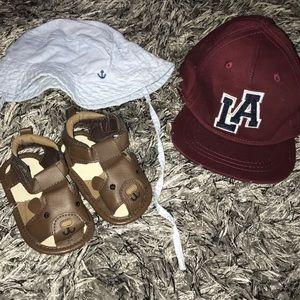 Cute H&M boys accessory bundle 2 hats & sandals.